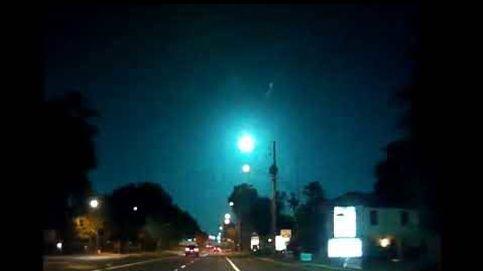 Captan la imagen de un meteorito cayendo sobre Florida
