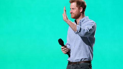 El príncipe Harry reaparece sin Meghan y a lo 'rock star' tras la muerte de su abuelo