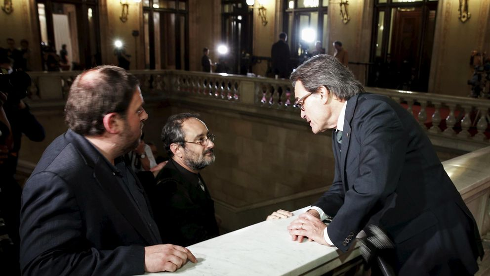 La CUP pone 'deberes' a Mas: abrir 15 nuevas embajadas y tener DNI catalán
