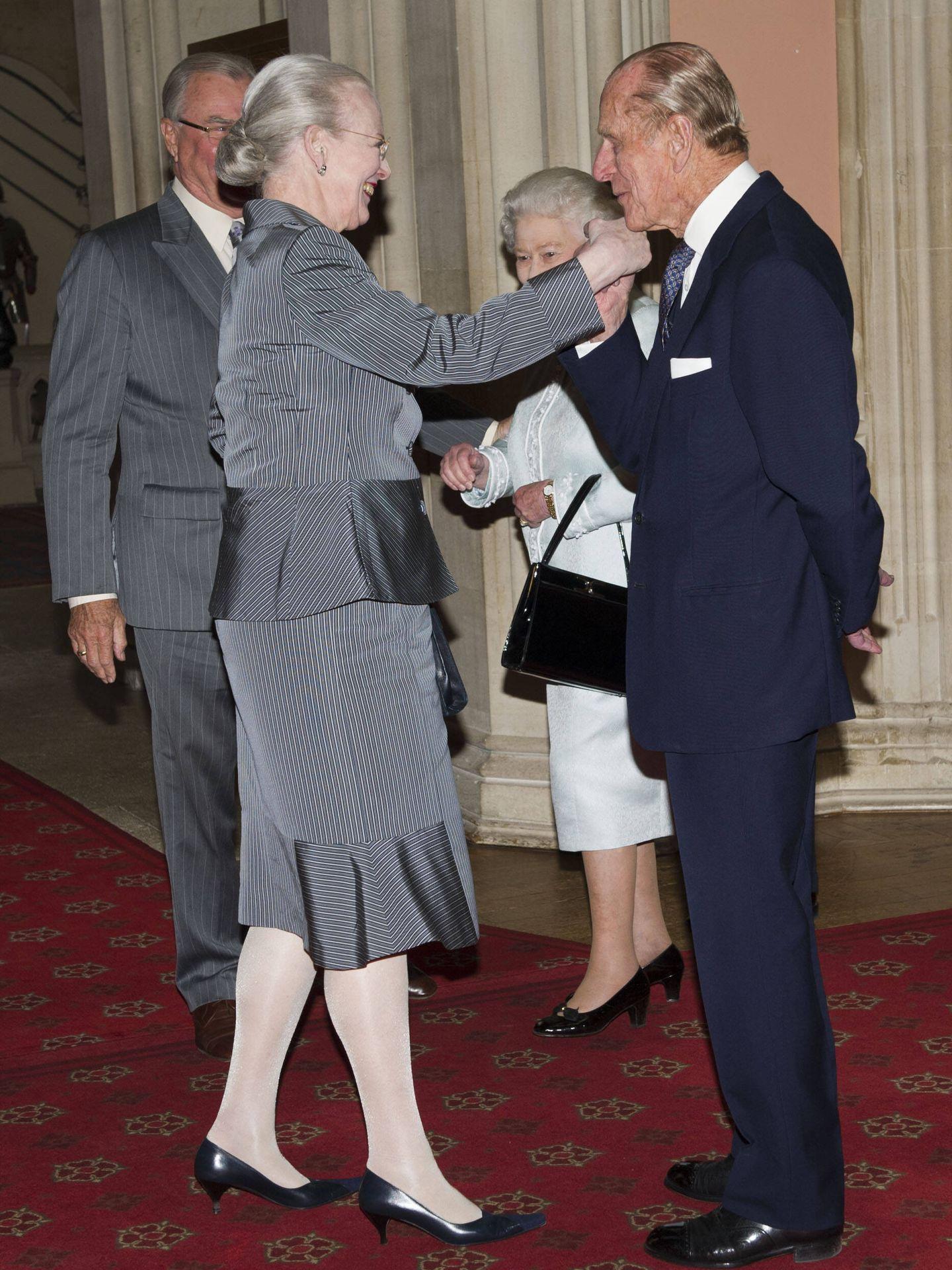 Isabel II y el duque de Edimburgo recibieron a Margarita y su esposo en Windsor en 2012. (Getty)