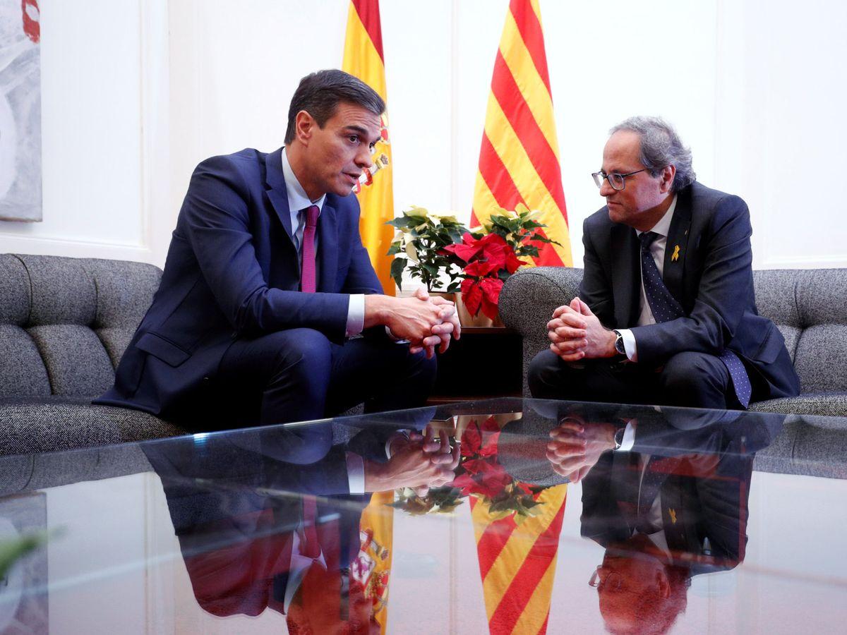 Foto: Pedro Sánchez y Quim Torra, en su reunión del 20 de diciembre de 2018 en el palacio de Pedralbes de Barcelona. (Reuters)