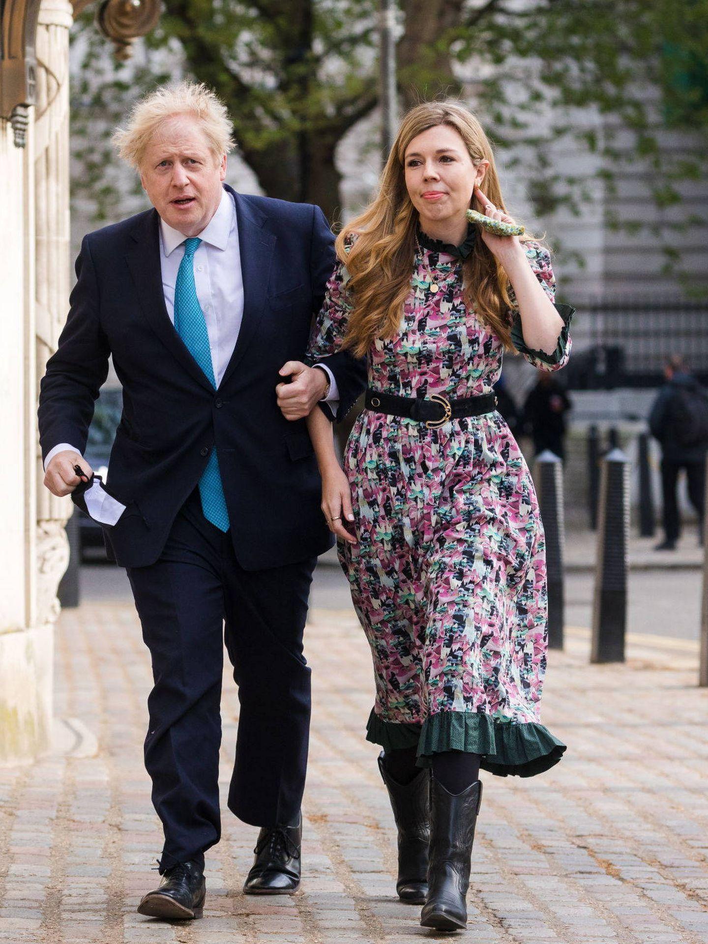 Boris Johnson y Carrie Symonds. (Reuters)