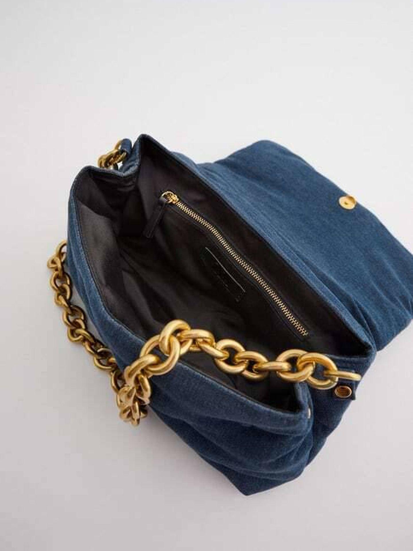 El bolso vaquero de Zara. (Cortesía)