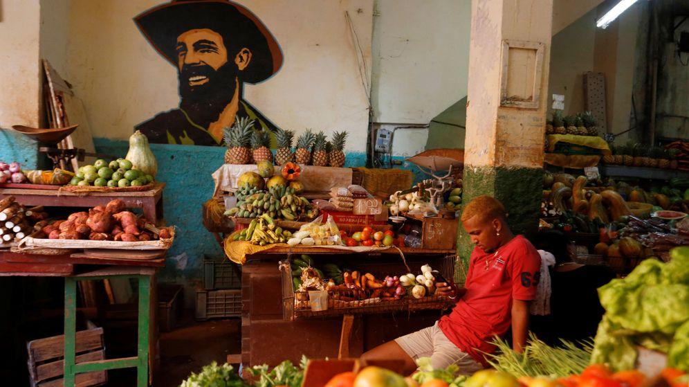 Foto: Imagen Camilo Cienfuegos en un mercado local de La Habana. (Reuters)