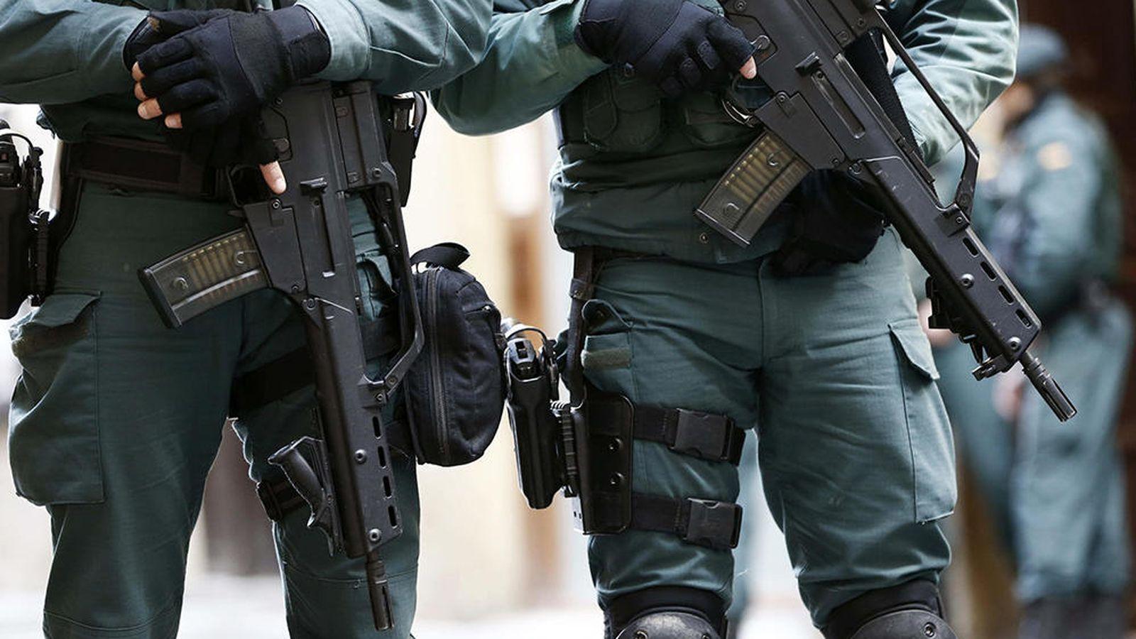 Foto: Efectivos de la Guardia Civil en Pamplona. (EFE)