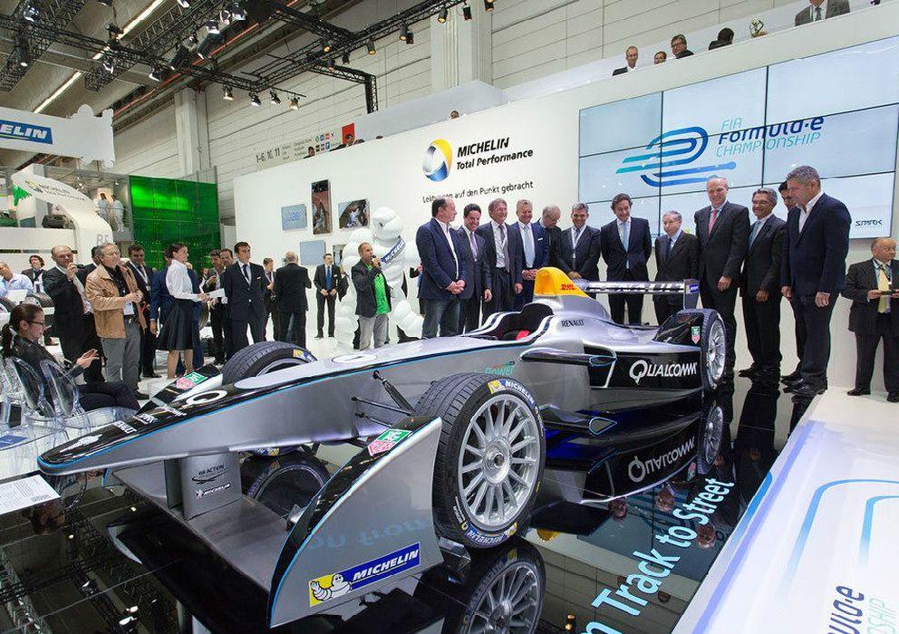 Foto: Expectación en la presentación de Frankfurt del monoplaza eléctrico.