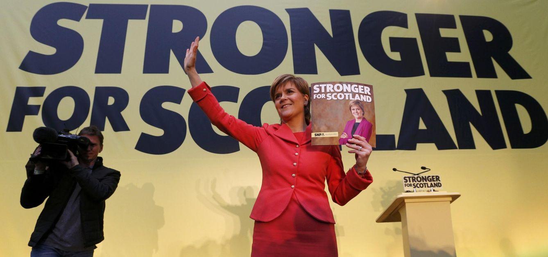 Foto: Nicola Sturgeon, dirigente del Partido Nacionalista Escocés (SNP), durante la presentación de su programa político en Edimburgo (Reuters).