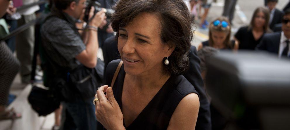 Foto: Ana Patricia Botín, en el funeral de su padre en Santander el pasado mes de septiembre (Gtres)