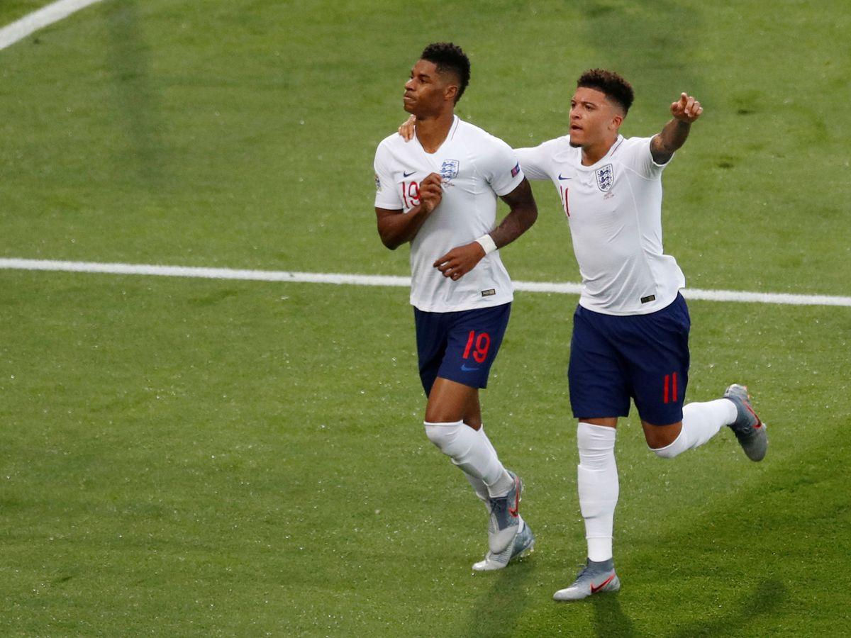 Foto: Rashford y Sancho celebran un gol con Inglaterra. (Reuters)
