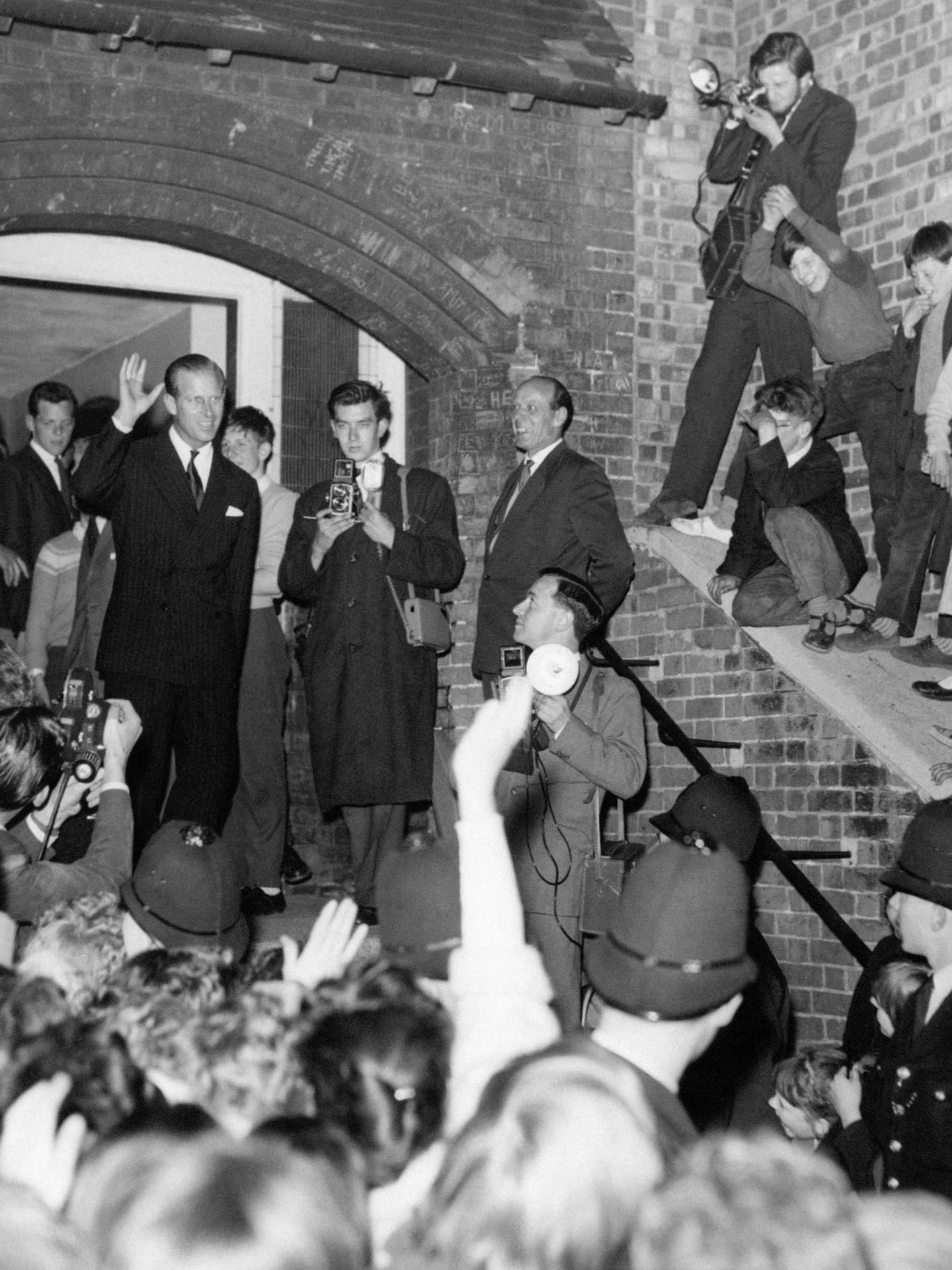 El duque de Edimburgo, con la Juventud de Londres, en 1948. (Palacio de Buckingham)