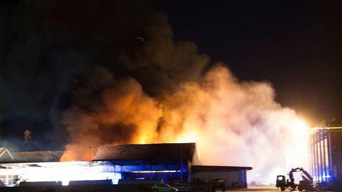 Controlado el incendio que calcinó las naves de Cobadu, la mayor cooperativa de Zamora