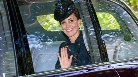 Kate Middleton, a misa con un vestido de Michael Kors (agotado) y joyas de 5.500 €