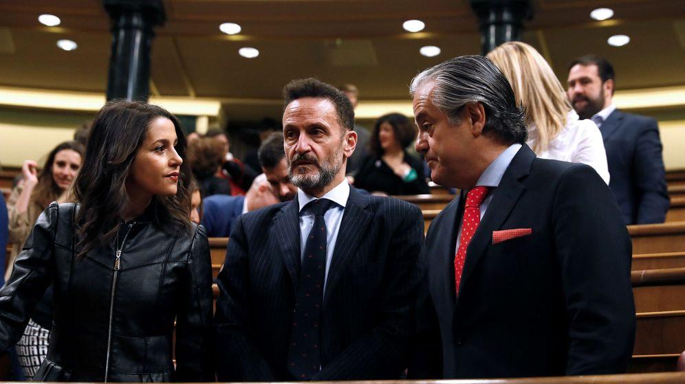 Foto: Los diputados Ciudadanos Inés Arrimadas, Edmundo Bal (c) y Marcos de Quinto. (EFE)