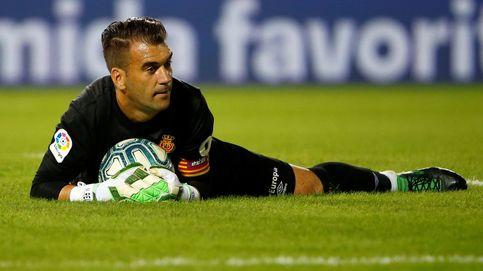 El portero más en forma del fútbol español se llama Manolo Reina y milita en Segunda