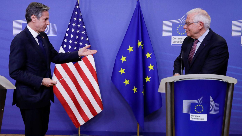 Antony Blinken, secretario de Estado de EEUU, junto con Josep Borrell en Bruselas. (Reuters)
