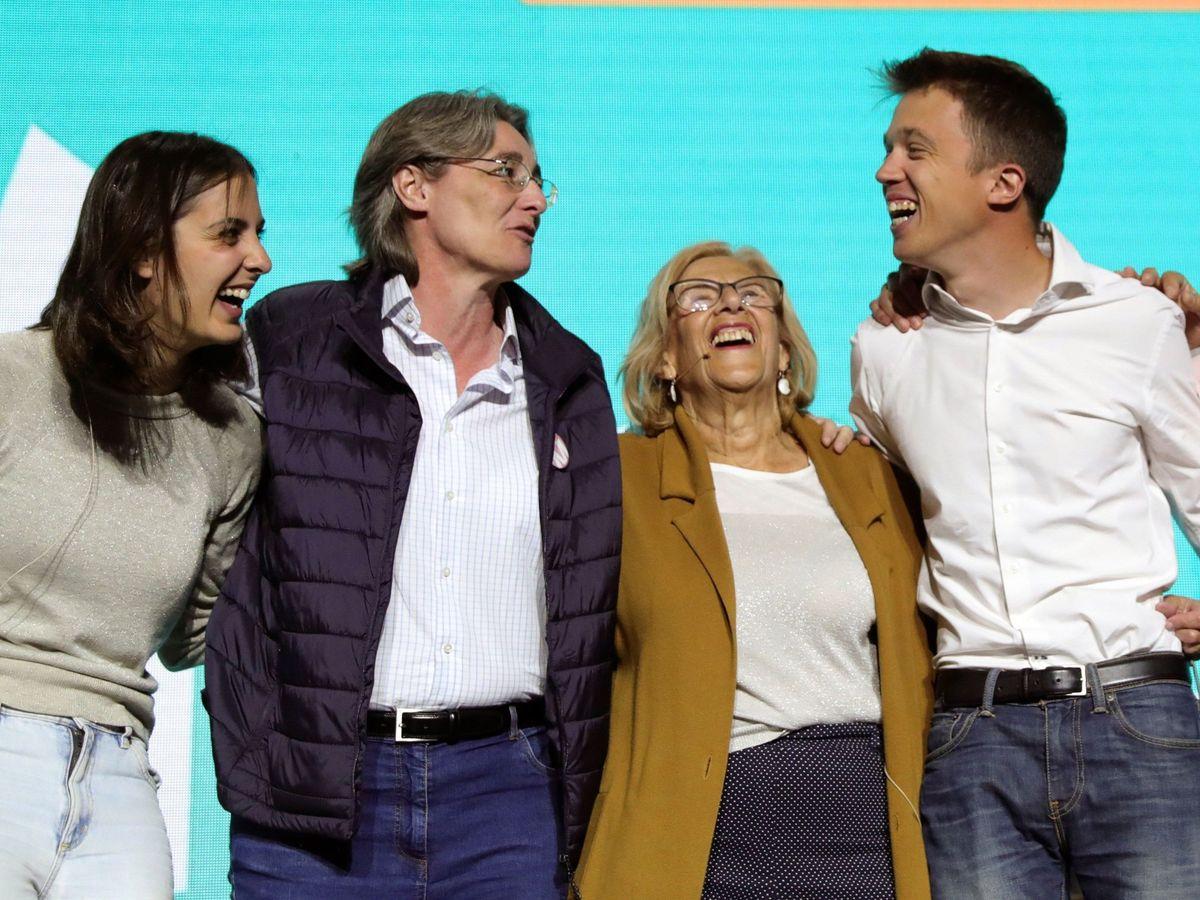 Foto: Manuela Carmena e Íñigo Errejón, junto a Marta Higueras y Rita Maestre. (EFE)
