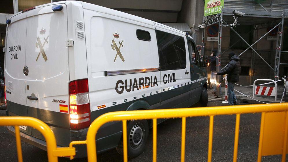 Foto: Furgón de la Guardia Civil. (EFE)
