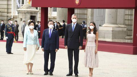 Los reyes Felipe y Letizia dan la bienvenida al presidente de Corea y su esposa