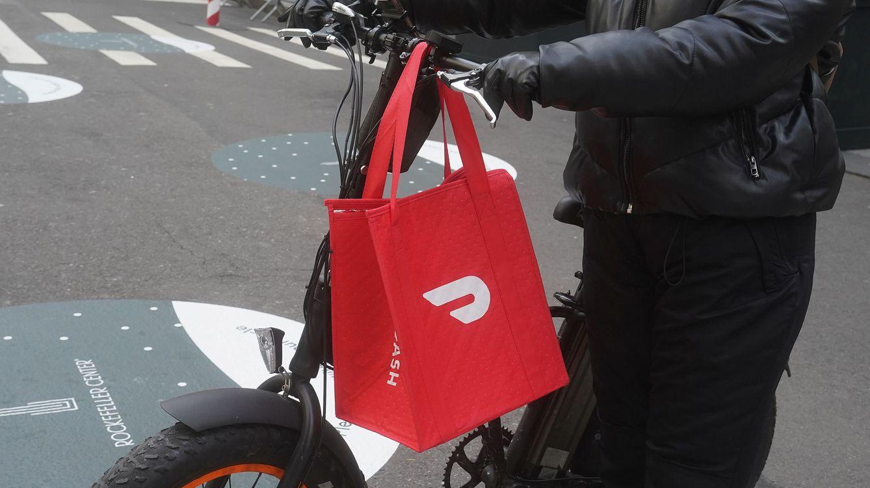 DoorDash duplica su precio en su salida a bolsa y supera los 60.000 millones de dólares
