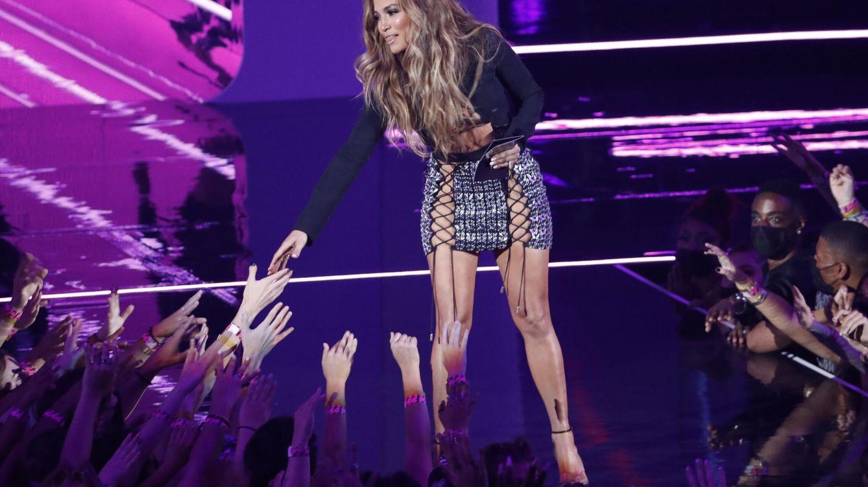 De Madonna a Jennifer Lopez: los looks de los premios VMAs