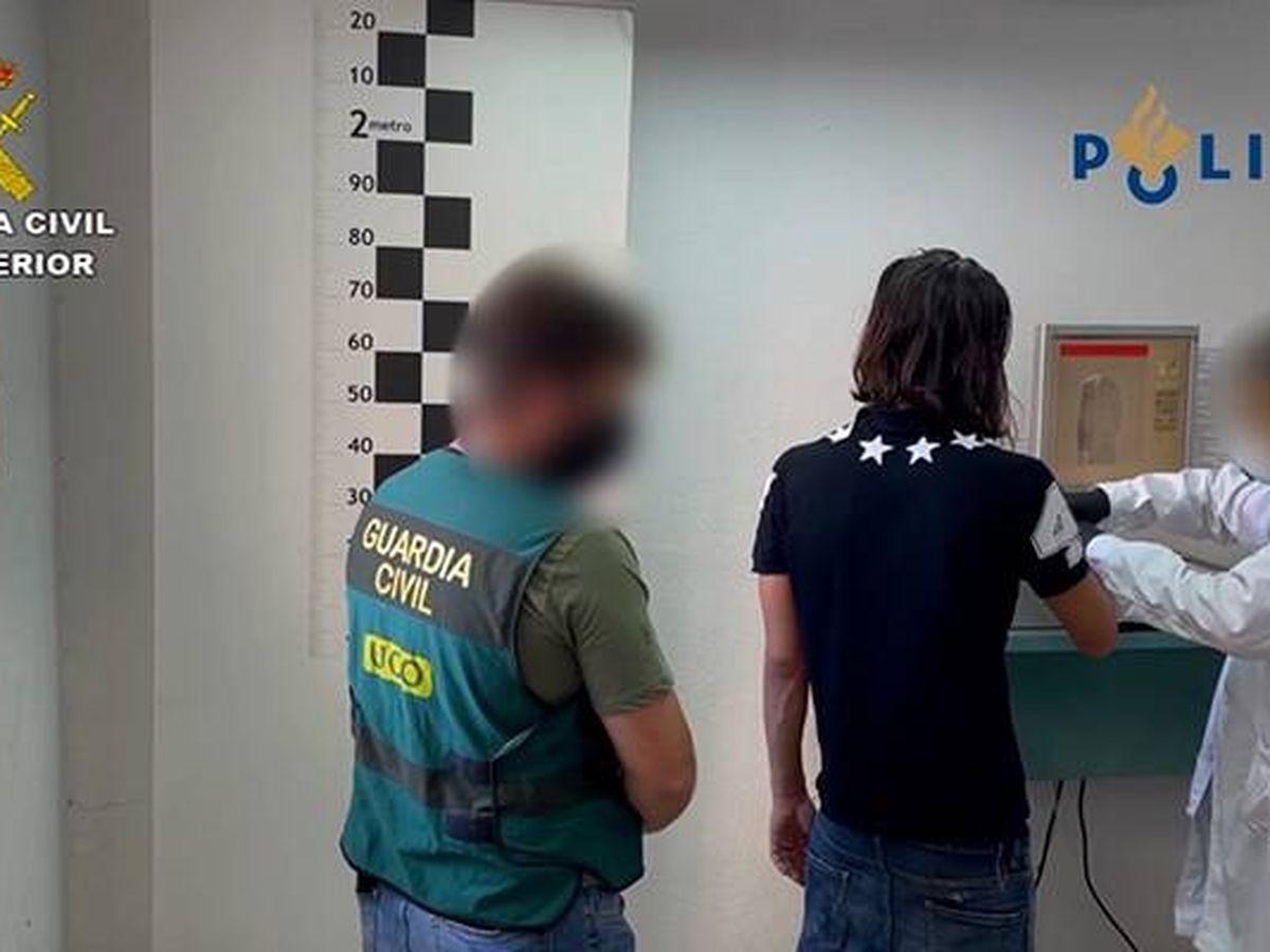 Foto: Foto de archivo de un detenido. (EFE)