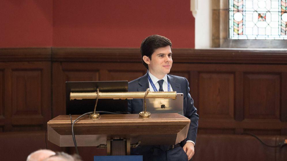 Foto: Alex Pérez en la conferencia de Altius en Oxford.