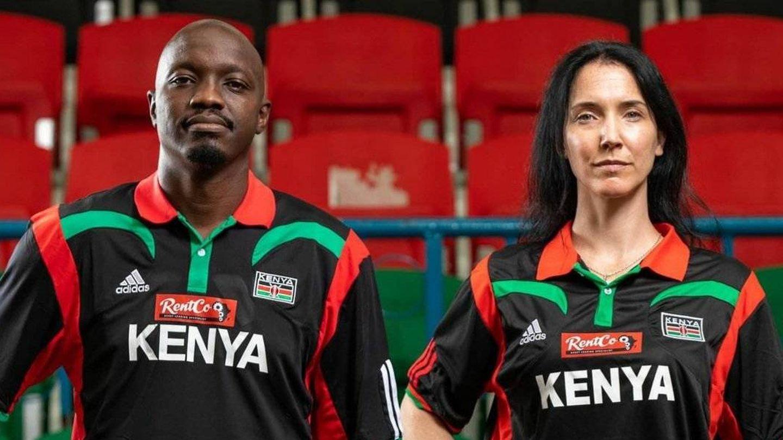 Liz Mills, en un posado promocional de la selección keniata. (@Kenyamorons)