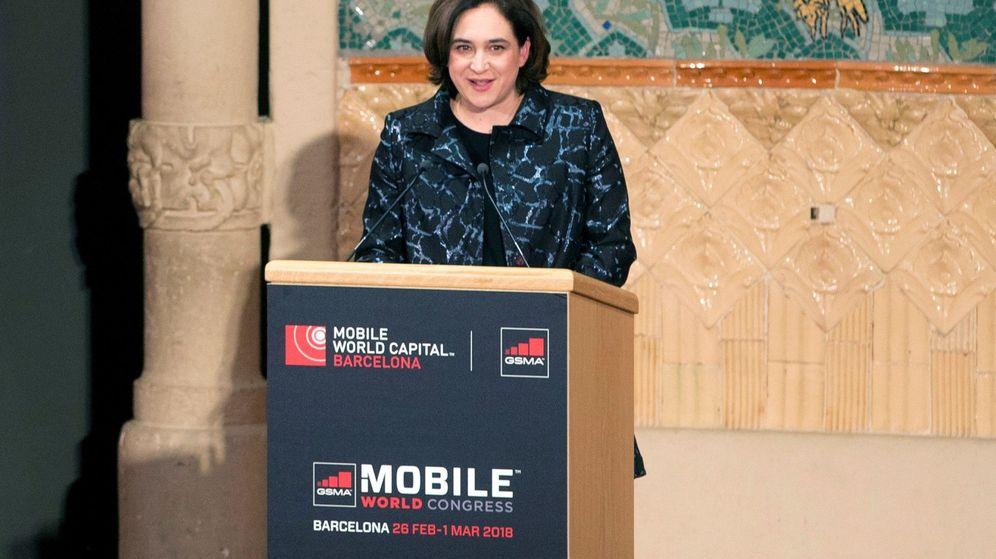 Foto: La alcaldesa de Barcelona, Ada Colau, durante su discurso en la cena de bienvenida al Mobile World Congress. (EFE)