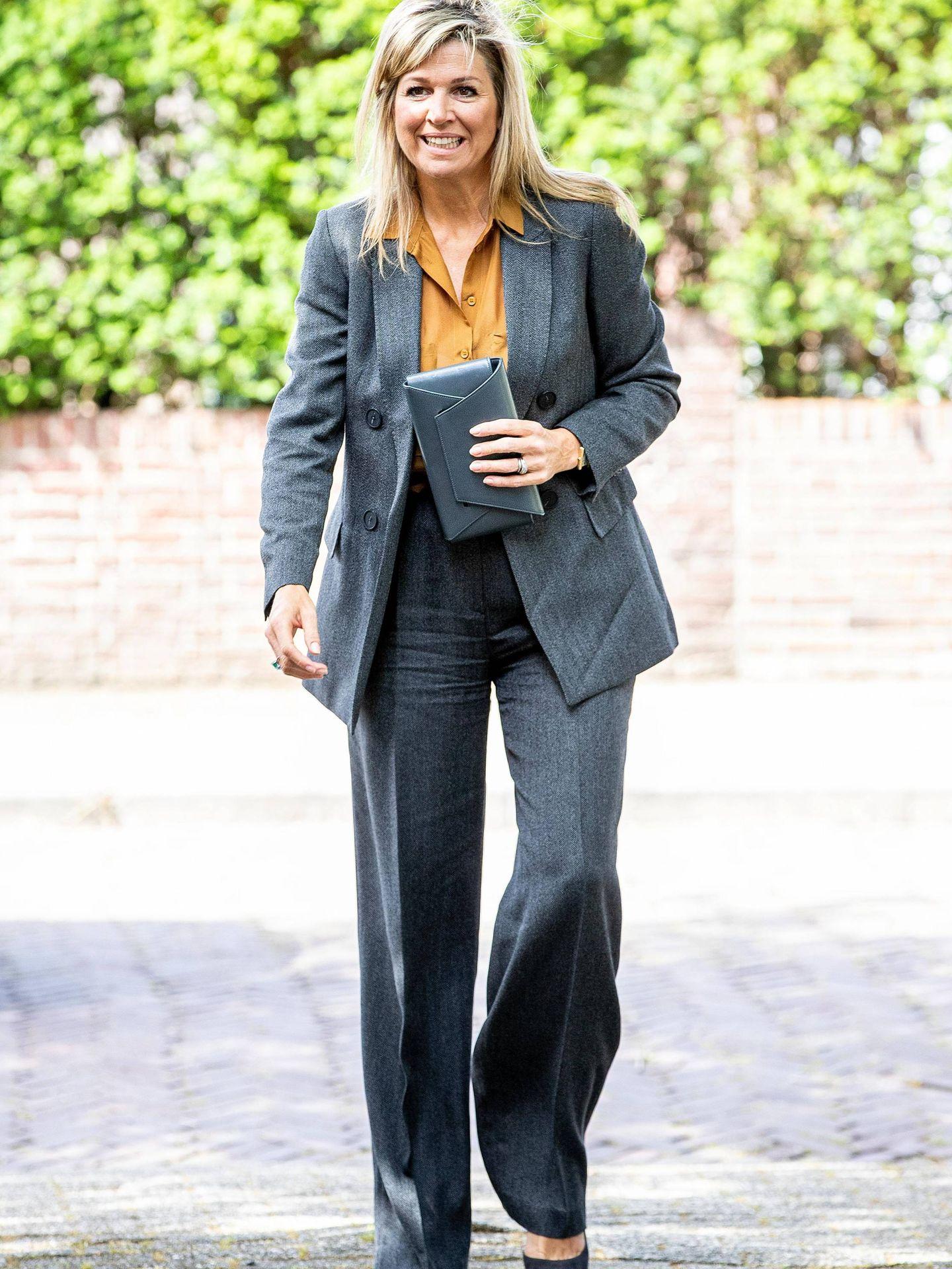 Máxima, con su traje de Massimo Dutti. (Cordon Press)