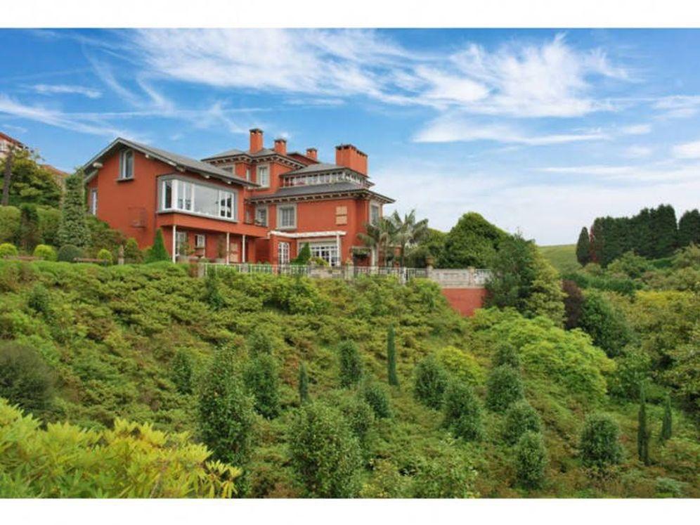 Foto: La mansión, rodeada de los jardines. (Idealista)