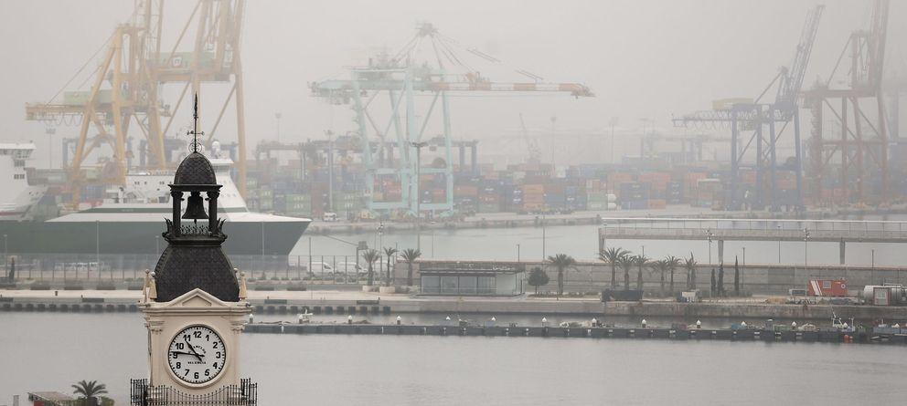 Foto: Vista general del Puerto de Valencia (Efe)