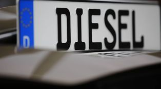 Por qué los automóviles diésel tienen que pagar más impuestos que los de gasolina