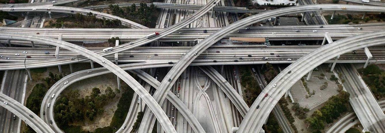 Ingeniería imposible: las carreteras más extremas y complejas del mundo