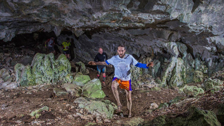 Correr entre cuevas: cuando se avanza en kilómetros y se retrocede en el tiempo