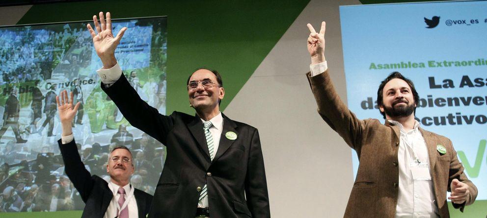 Foto: José Antonio Ortega Lara, Alejo Vidal-Quadras y Santiago Abascal. (Efe)