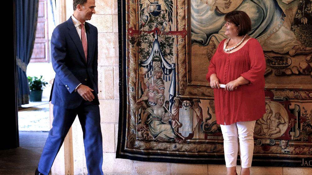 Foto: Felipe VI recibe en audiencia en el Palacio de la Almudaina a la presidenta del Parlamento balear, Xelo Huertas, el pasado mes de agosto. (EFE)