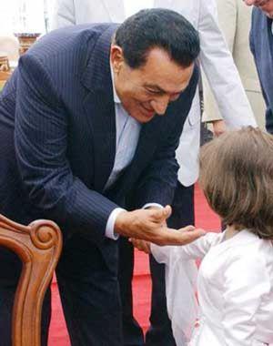 Polémica en Egipto por la condena a un periodista que desveló la mala salud del presidente Mubarak