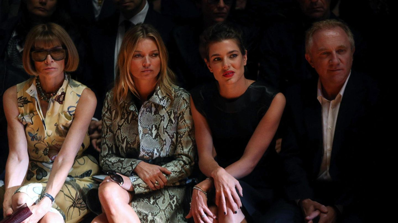 Anna Wintour, Kate Moss, Carlota Casiraghi y François-Henri Pinault. (EFE)