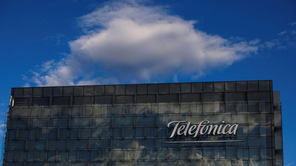 Telefónica gana un 56,2% menos, confirma dividendo y abandona objetivos