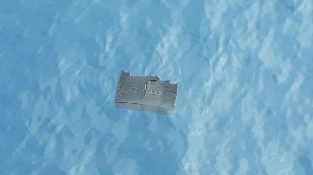 Foto: Partes del avión encontradas en el mar de Drake. (Reuters)