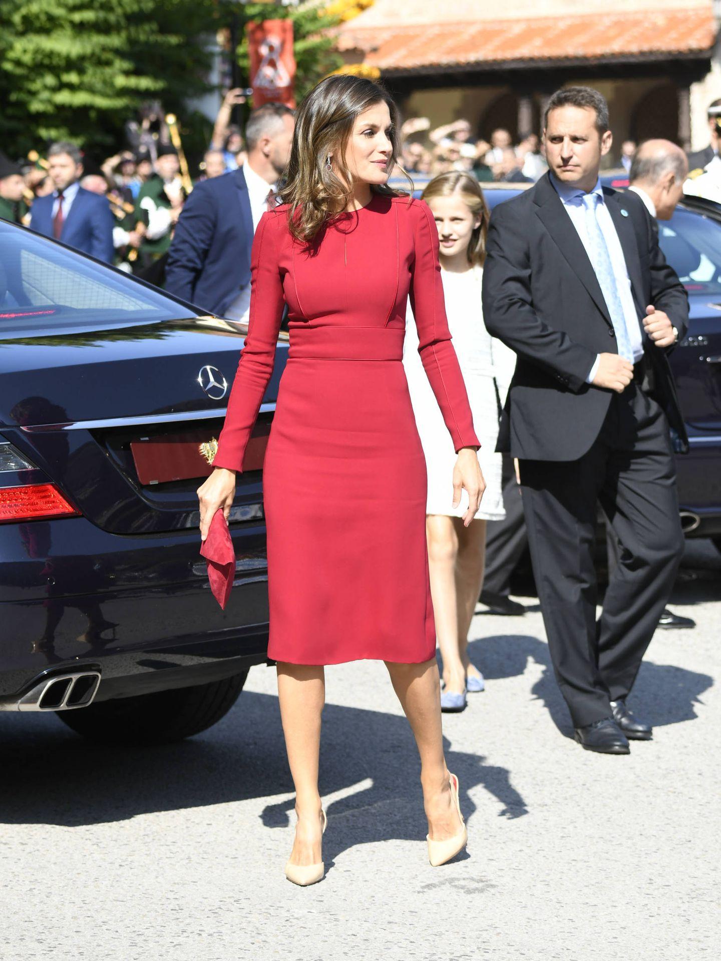 El look compelto de la Reina. (Limited Pictures)