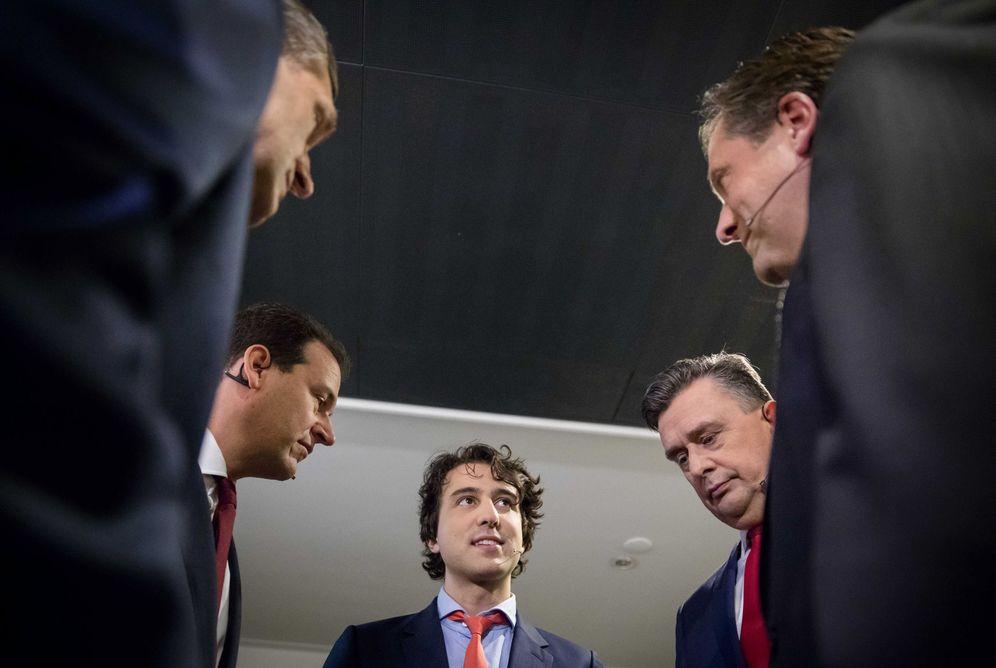 Foto: Jesse Klaver, en el centro, durante un debate televisivo con otros candidatos, el 26 de febrero de 2017. (EFE)