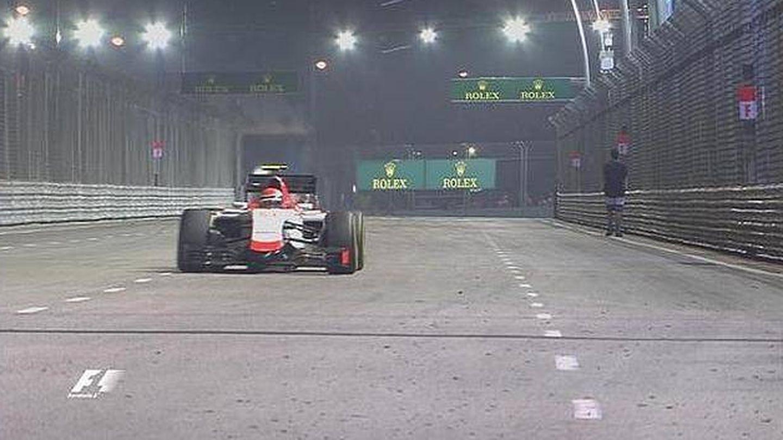 El espontáneo paseando por la pista de Singapur. (F1)