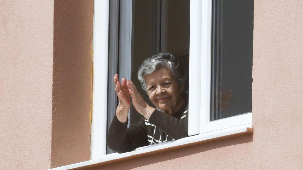 Madrid lanza un 'call center' para que los mayores no se sientan solos durante el confinamiento por el coronavirus