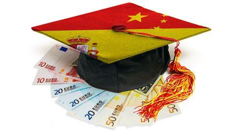 A cambio de euros, títulos universitarios a tutiplén para chinos que no hablan español