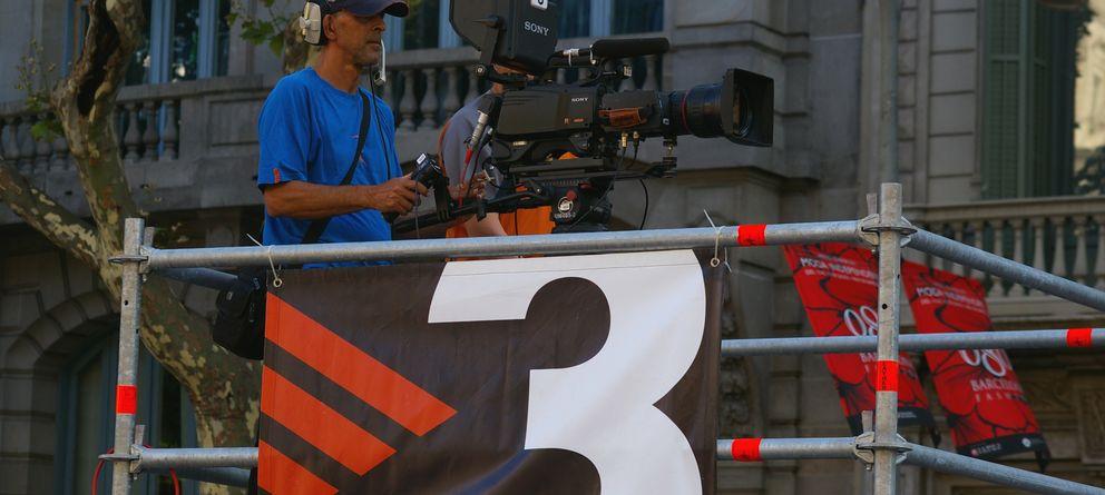 Foto: Un cámara de TV3 graba una manifestación. (1997 Wikimedia)