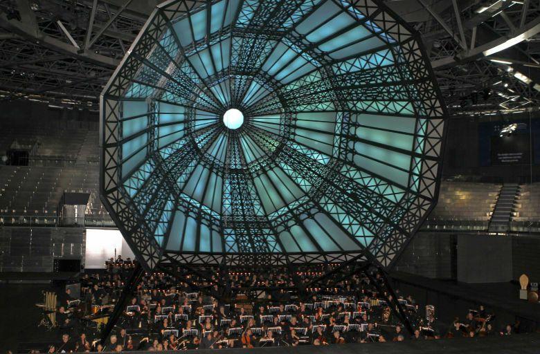 Imagen de la cúpula que se instaló en el Madrid Arena para representar 'San Francisco de Asís'. (Efe / Manuel H. de León)