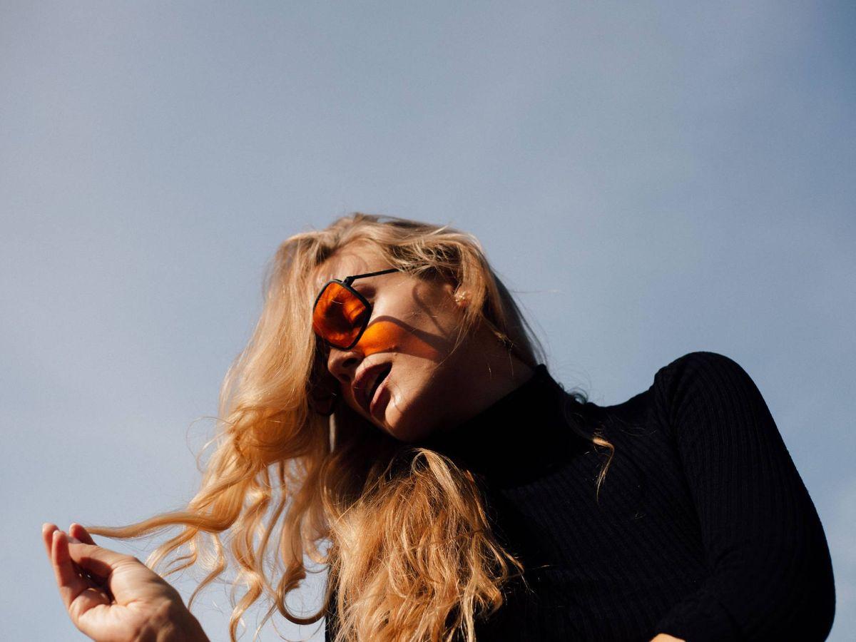 Foto: No pueden faltar unas gafas de sol. (Julian Schröpel para Unsplash)