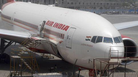 Un auxiliar se cae de un avión mientras lo preparaba para el siguiente vuelo