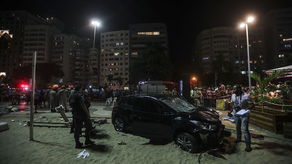 Foto: Atropello masivo en Copacabana (EFE)